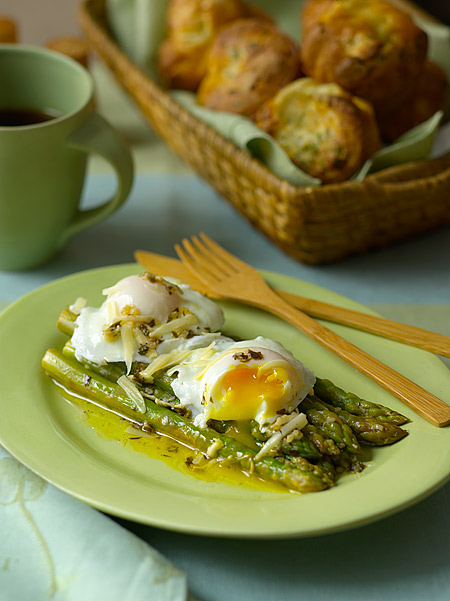 Recipe for Asparagus with Poached Eggs and Parmesan from TableFare